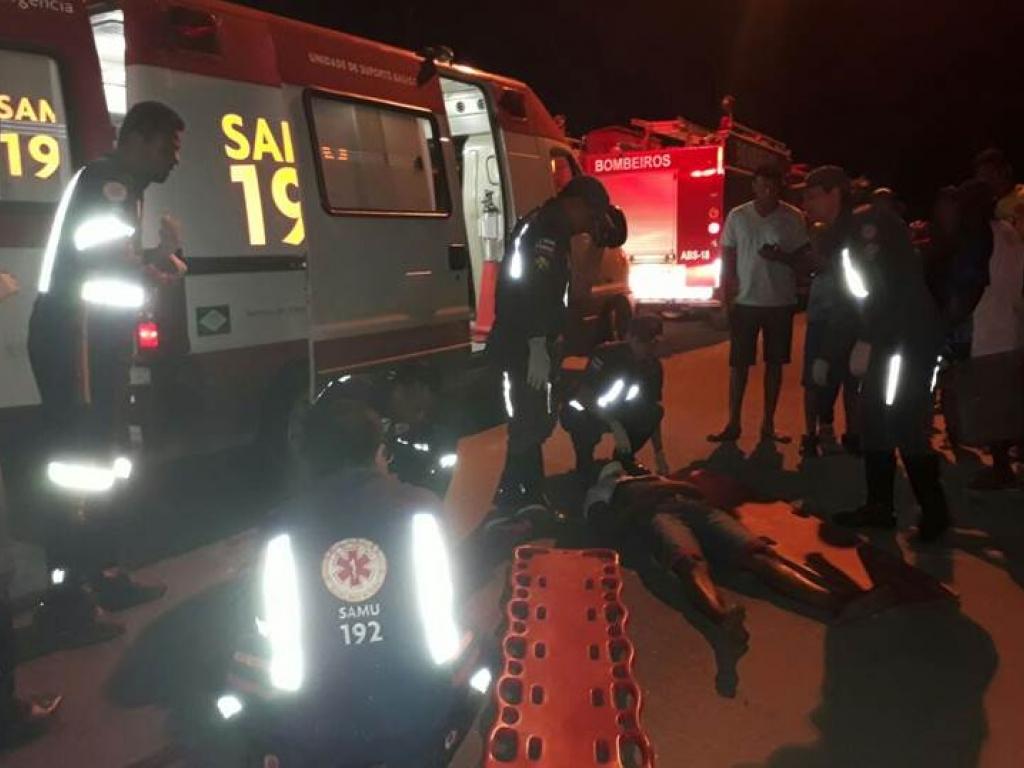 Adolescentes roubam moto e acabam sofrendo grave acidente na fuga