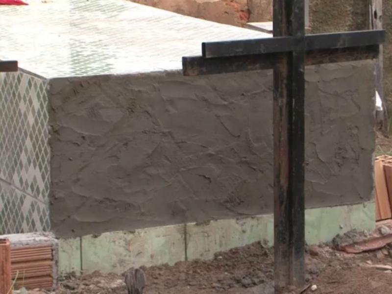 Familiares suspeitam que mulher tenha sido enterrada viva na Bahia