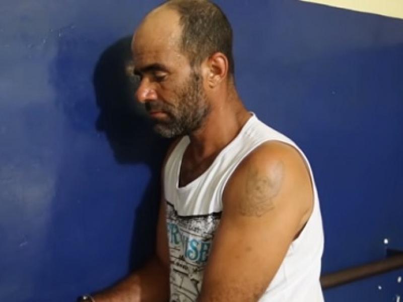 Homem é preso após jogar água quente no rosto da esposa em Itabuna