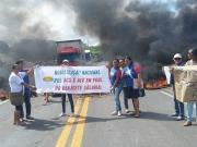 Agentes Comunitários de Saúde da região e representantes da APLB bloqueiam BR-101 em Itapebi