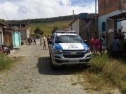 Jovem é morto com tiros na cabeça dentro de casa abandonada em Itagimirim