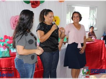 Prefeita Devanir Brillantino prestigia encerramento do CRAS ao lado da Secretária Fernanda Marciel