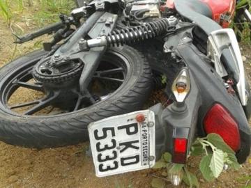 Homem morre em colisão entre carro e motocicleta na BR-101