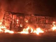 Cinco pessoas morrem em acidente envolvendo ônibus e carreta da Suzano