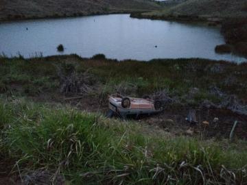Carro com três ocupantes cai em ribanceira próximo ao distrito de União Baiana
