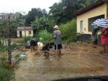 Chuva torrencial causa grandes estragos à população de Itagimirim