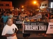 Familiares e amigos realizam nova manifestação em busca de respostas sobre o assassinato de Rielson