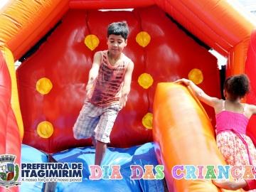 Prefeitura de Itagimirim comemora o Dia das Crianças com grande festa em praça pública