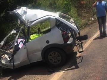 Duas pessoas morrem em grave acidente na BR-101