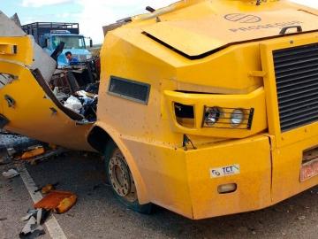 Bandidos explodem carro-forte e fogem com todo o dinheiro no norte da Bahia