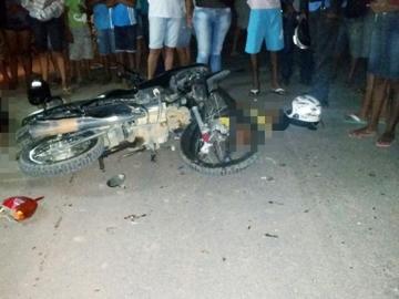 Colisão entre motocicletas deixa um pessoa morta em Itabela