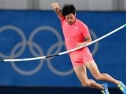 Atleta japonês passa por momento constrangedor no salto com vara; veja o vídeo