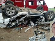 Motorista morre e esposa fica ferida após acidente em Teixeira de Freitas