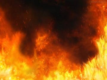 Incêndio destrói galpão no Polo Industrial de Teixeira de Freitas