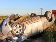 Motorista perde controle de veículo e capota várias vezes na BA 290