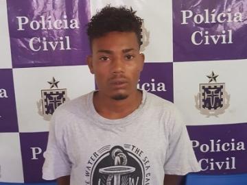 Suspeito de homicídio é preso após esquecer identidade em delegacia
