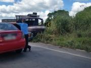 Colisão entre carro e caminhão mata duas pessoas na BR 101