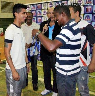 Treinador Thiago Silva recebeu méritos pela brilhante condução com as equipes de Itagimirim. (Foto: Daniel Franco/Rastro101)