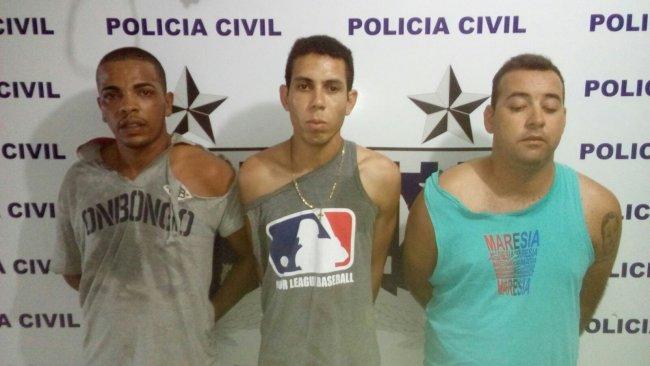 Os três suspeitos de assalto. (Divulgação/PM)