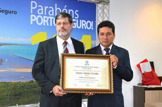 Pastor Edison Aquiles Grando, da Igreja Missionária Unida, recebeu título de cidadão porto-segurense. (Foto: ASCOM / Porto Seguro)