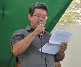 Secretário de educação: Jurailton Abreu (Foto: Arnaldo Alves - Itapebi Acontece)