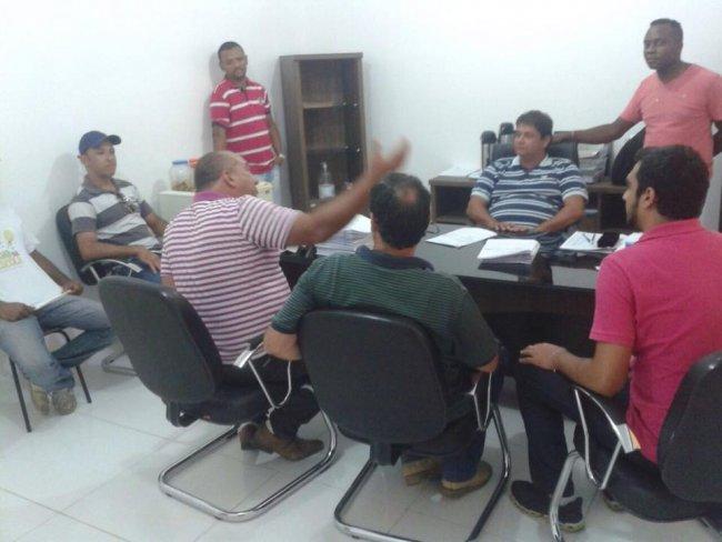 Diretoria da ADAB em reunião com o prefeito Rogério Andrade. (Foto: ASCOM)