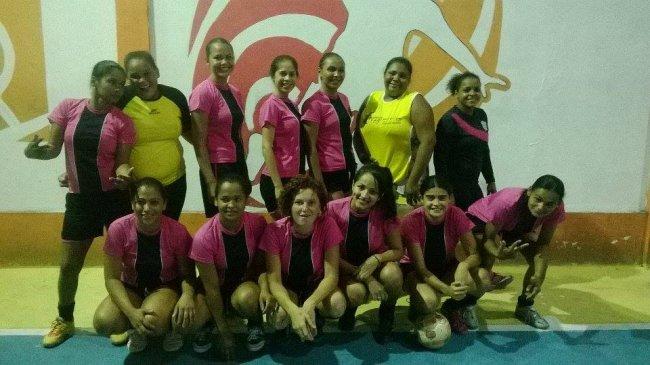 Seleção feminina de Futsal de Itagimirim venceu amistoso contra Itapebi. (Foto: Divulgação)
