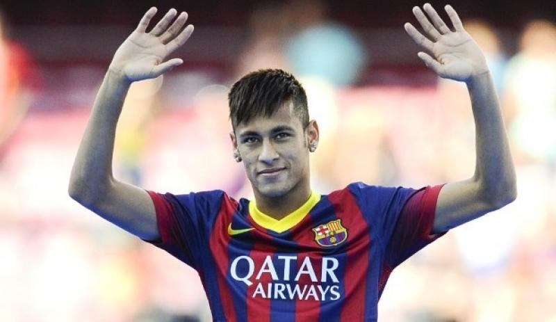 Neymar sendo apresentado ao Barcelona em 2013. (David Ramos/Getty Images)