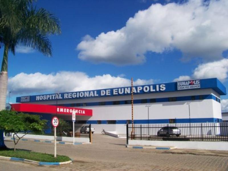 O taxista foi encaminhado ao Hospital Regional de Eunápolis, mas já chegou sem vida à unidade. (Imagem: Reprodução)