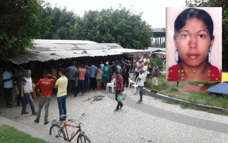 Mulher foi morta em praça de Feira de Santana (Foto: Aldo Matos/Acorda Cidade)
