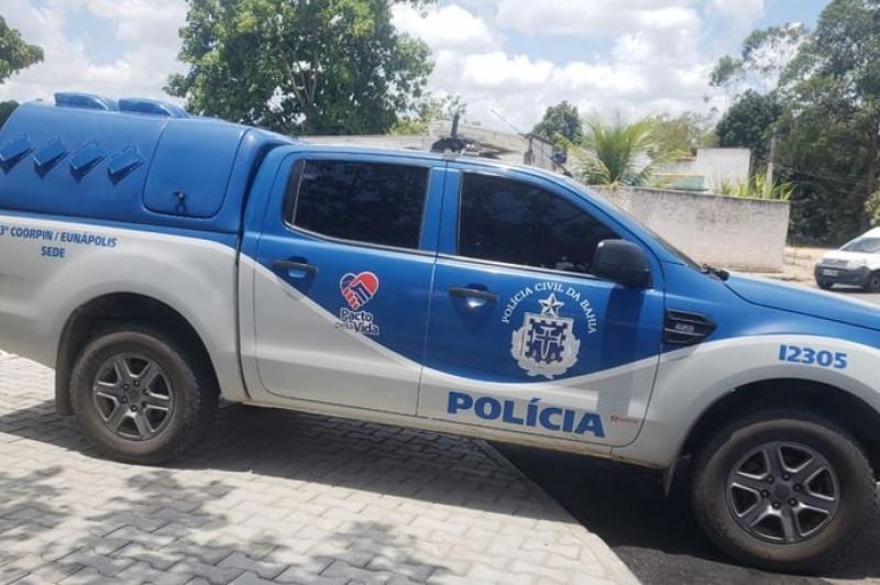 Prisão foi conduzida por investigadores da Polícia Civil. (Foto: Tássio Loureiro / VIA41)