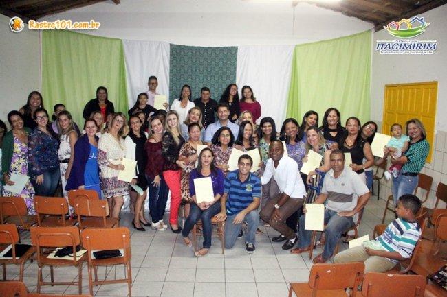 Mais de 30 professores de Itagimirim foram enquadrados passando a atuar com 40 horas semanais.