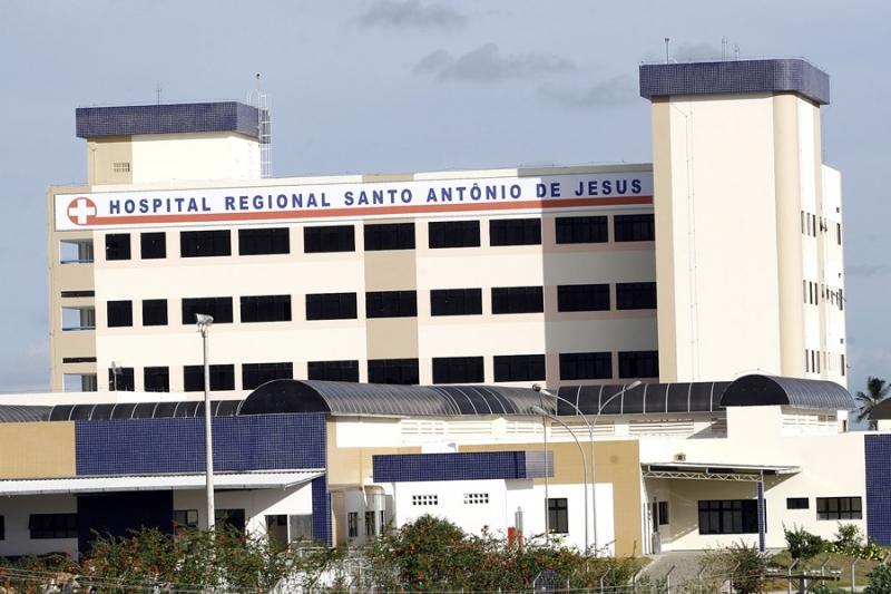 Mulher morreu na hora e homem foi socorrido ao hospital em Santo Antônio de Jesus. (Reprodução)