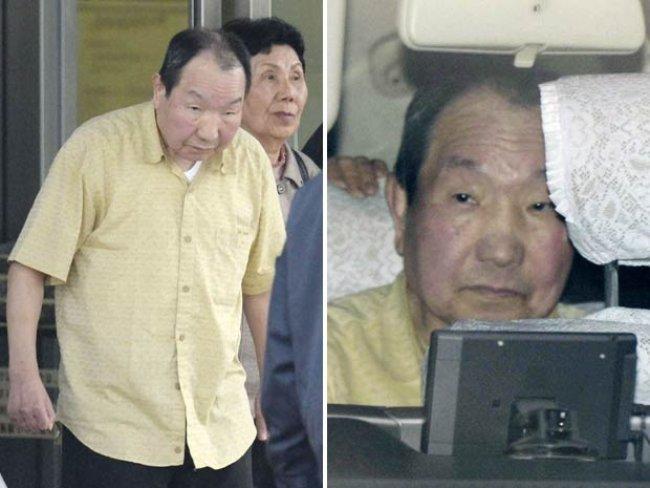 Iwao Hakamada deixa Casa de Detenção em Tóquio após ser libertado devido às novas provas que reabriram seu julgamento (Foto: Reuters/Kyodo)