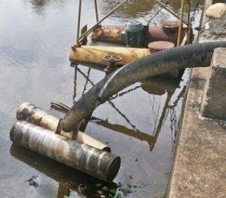 Bomba d'água passa por reparos após apresentar defeitos. (Foto: Arquivo/Rastro101)