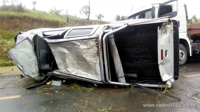 Veículo ficou completamente destruído (Rstro101)