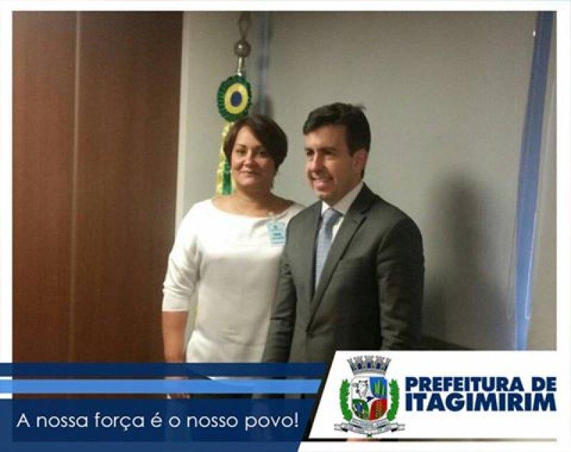 Prefeita participou de uma reunião com o presidente do Fundo Nacional de Desenvolvimento da Educação - FNDE, Silvio Pinheiro (ASCOM)