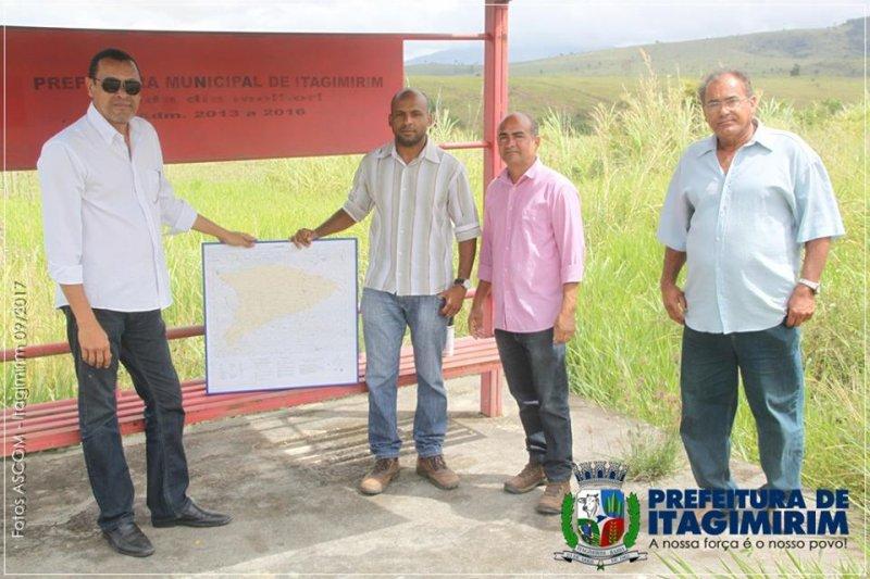 Representantes da prefeitura e do DNIT fizeram as devidas correções (ASCOM)