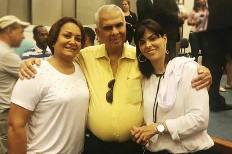 Na sequencia, ao lado do Deputado Federal Jose Carlos Araújo, Devanir Brillantino e mais de 300 prefeitos de toda a Bahia participarão de uma audiência pública com a presença de vários deputados. (ASCOM)