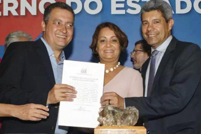 Devanir Brillantino reafirmou o compromisso a parceria com o governo do estado ao celebrar mais uma importante conquista com o governador Rui Costa (Divulgação)