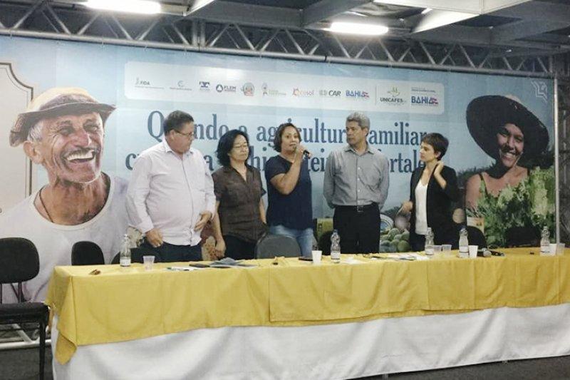 O encontro teve seu encerramento com à fala da Prefeita Devanir Brillantino, representando todos os municípios da do Estado da Bahia (Ascom)