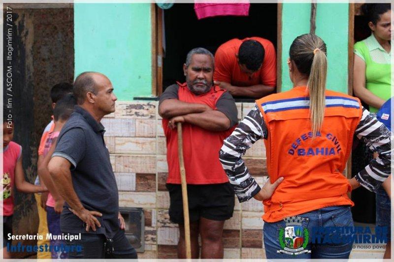 Equipe técnica da prefeitura trabalha em parceria com a Defesa Civil da Bahia para resolver o problema (ASCOM)