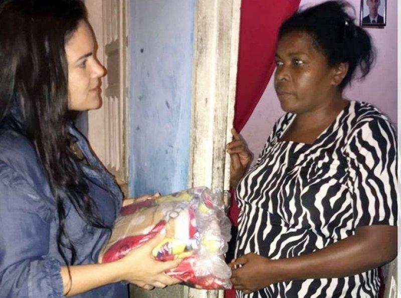 Moradores receberam mantimentos e cobertores. Algumas famílias que perderam as casas foram abrigadas temporariamente em uma escola do município (ASCOM)