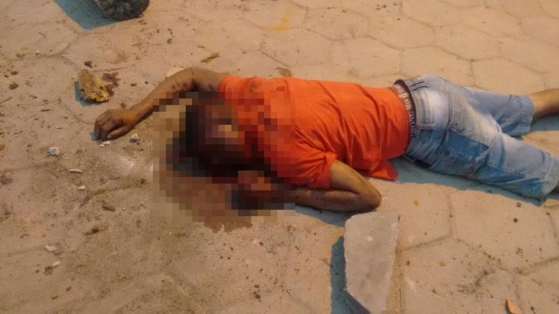 Corpo foi encontrado em via pública (Foto: Bahia Extremo Sul)