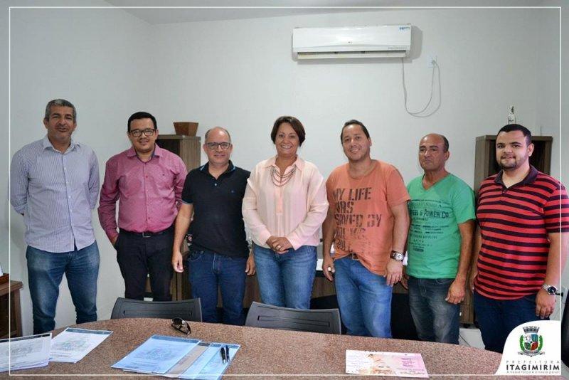 Secretários e representantes das empresas responsáveis pelas obras participaram do encontro (ASCOM)