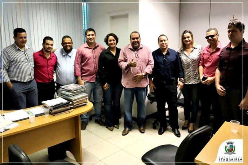 A visita da comitiva à Superintendência da CONAB teve como objetivo, viabilizar a aprovação das associações de União Baiana e Itagimirim pra execução do projeto PAA CONAB 2018/2019 (ASCOM)