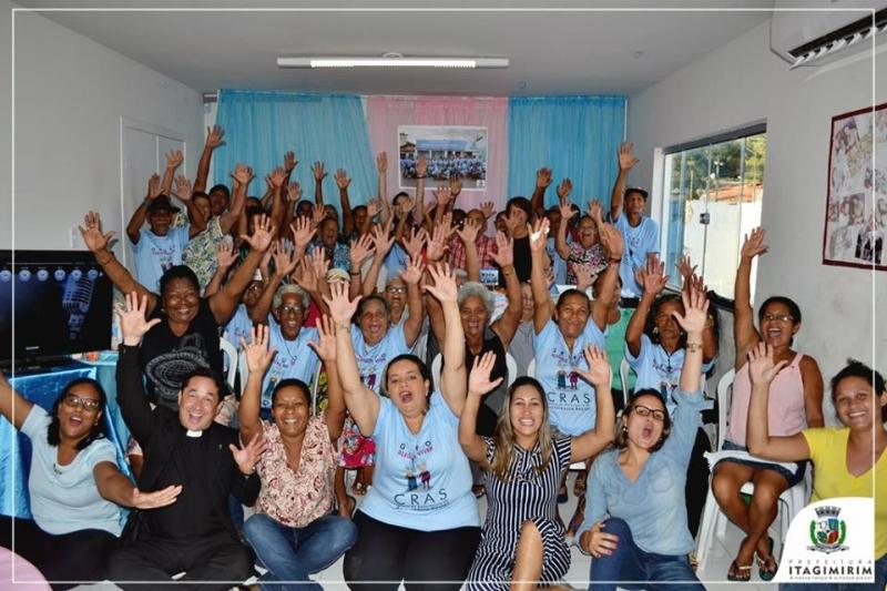 Confraternização em comemoração ao Dia Internacional do Idoso. (Ascom-Itagimirim)
