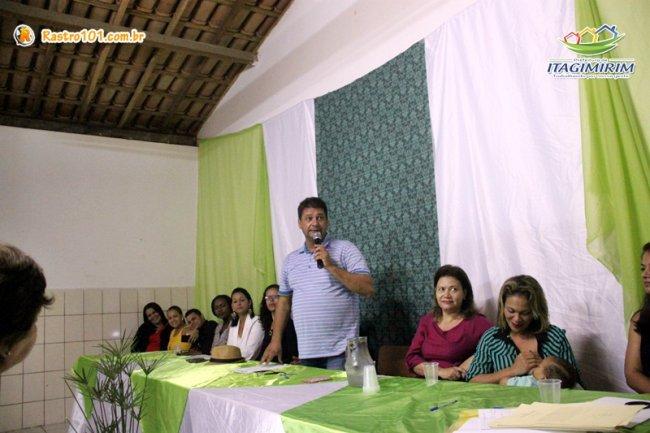 Para o prefeito Rogério, essa medida serve para valorizar os professores e tornar o ensino dos estudantes mais eficaz