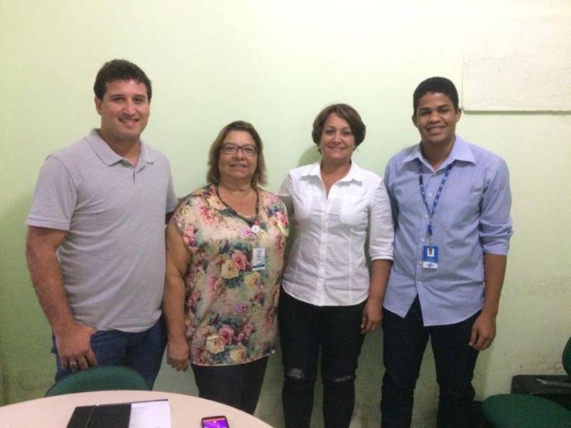 Eliane De Oliveira (secretária do sindicato), Devanir Brillantino (prefeita de Itagimirim) Tiago Mota (secretário de agricultura de Itagimirim) e Ismael Santos (Analista Técnico do SEBRAE)