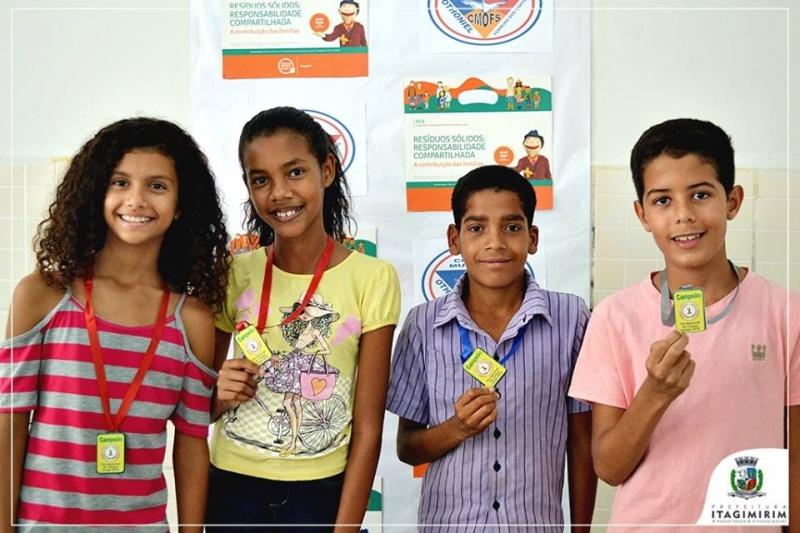 Alunos do Colégio Othoniel foram premiados em concurso de redação e desenho. (Ascom-Itagimirim)